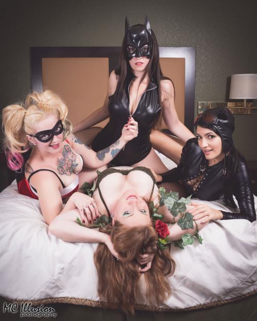 2016 03 26_Ivy Amy Maria Britsky Sushi Catwoman Harley Buma Gotham Sirens Slumber_0216a1